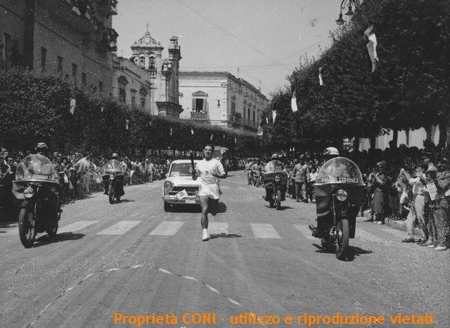 fiaccola-olimpica-1960